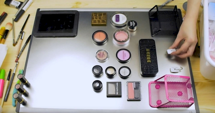 Keep Your Makeup Organized With This Cheap And Easy DIY. All You Need Is A Magnet Board!
