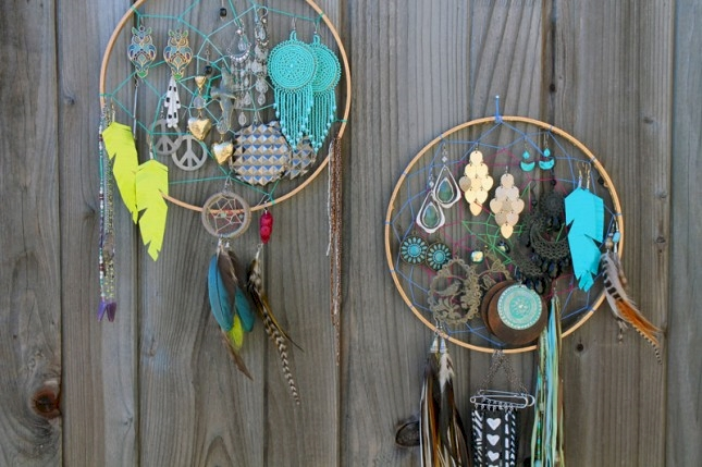 11 Cheap And Beautiful DIY Jewelry Storage Solutions